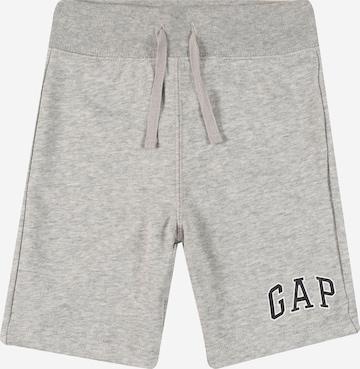 Pantaloni de la GAP pe gri
