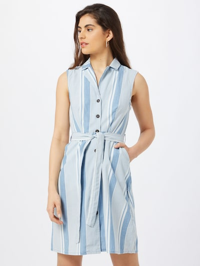 VERO MODA Robe-chemise 'AKELASANDY' en bleu fumé / blanc, Vue avec modèle