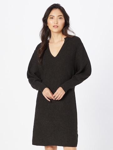 SOAKED IN LUXURY Gebreide jurk 'Lyrica' in Zwart