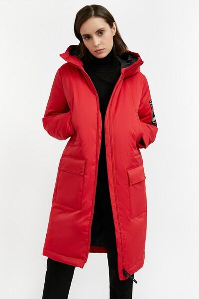 Finn Flare Wintermantel in de kleur Rood, Modelweergave