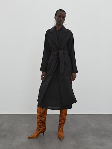 EDITED Between-seasons coat in Black