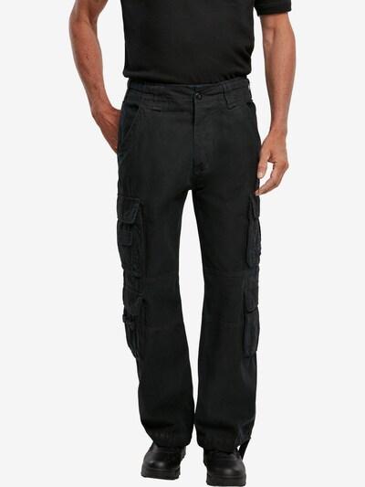 Brandit Pantalon cargo en noir, Vue avec modèle