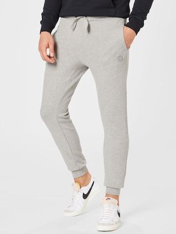 Pantaloni 'TEAK' di KnowledgeCotton Apparel in grigio