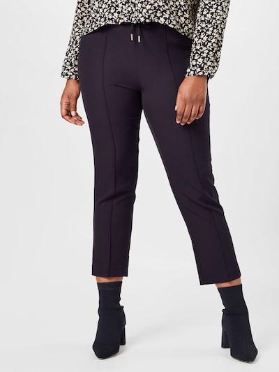 Pantaloni 'Caredith' ONLY Carmakoma pe negru, Vizualizare model
