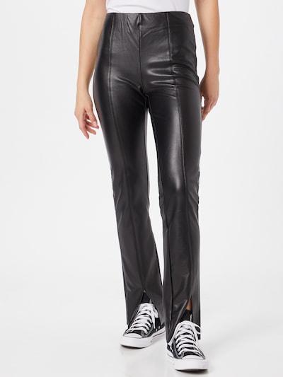 Pantaloni 'PAPAYA' ONLY pe negru, Vizualizare model