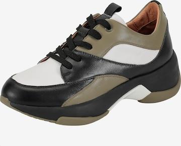 Ekonika Sneakers in Black
