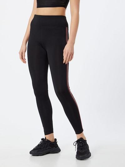 ONLY PLAY Sporthose in schwarz, Modelansicht