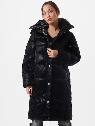 GUESS Vinterkappa 'Regina' i svart, På modell