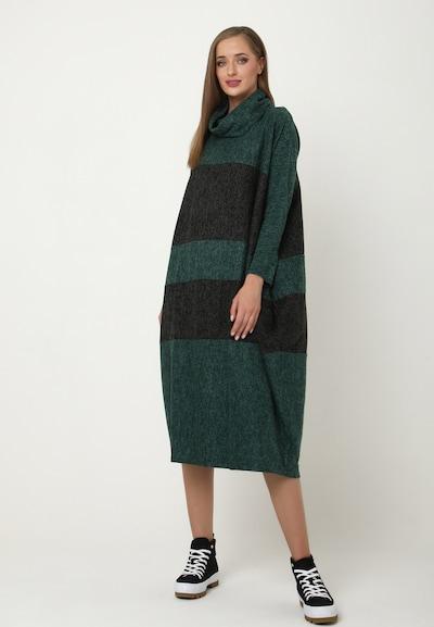 Madam-T Oversized jurk 'Filippa' in de kleur Groen, Modelweergave