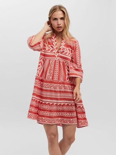 VERO MODA Kleid in koralle / naturweiß, Modelansicht