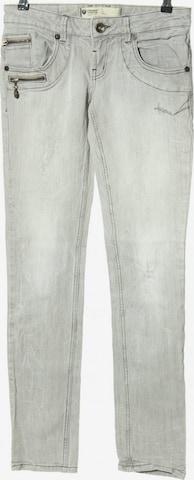 FREEMAN T. PORTER Jeans in 27-28 in Grey