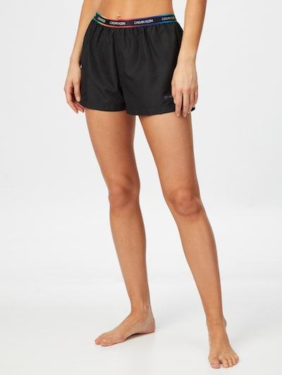 Calvin Klein Swimwear Shorts in mischfarben / schwarz, Modelansicht