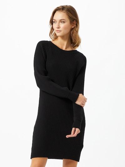 NU-IN Pletena haljina u crna, Prikaz modela