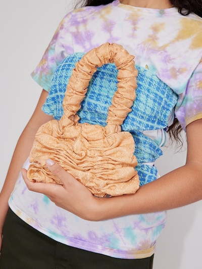 JOANA CHRISTINA Henkeltasche 'Mini Pillow Bag' in orange: Frontalansicht