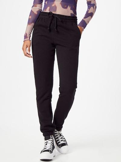Hailys Παντελόνι σε μαύρο, Άποψη μοντέλου