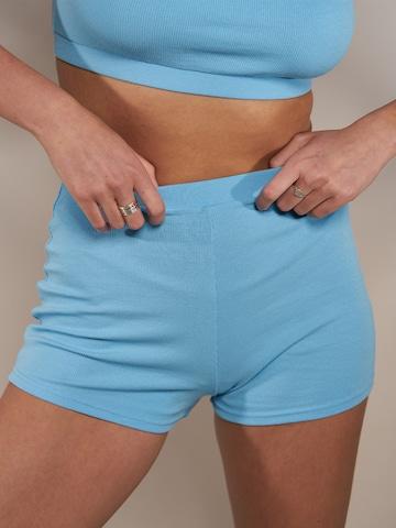 ABOUT YOU x Laura Giurcanu Παντελόνι 'Sophia' σε μπλε