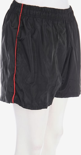 PrettyLittleThing Shorts in XS in Black, Item view
