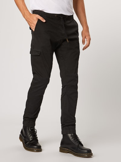 INDICODE JEANS Cargobroek 'Levi' in de kleur Zwart, Modelweergave