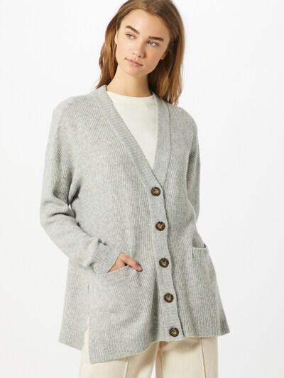 basic apparel Cardigan 'Berit' en gris, Vue avec modèle
