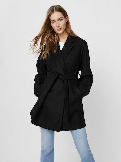 VERO MODA Mantel in schwarz, Modelansicht