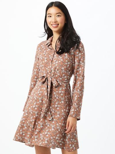 Trendyol Kleid in braun / weiß, Modelansicht