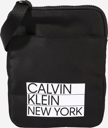 Geantă de umăr de la Calvin Klein pe negru