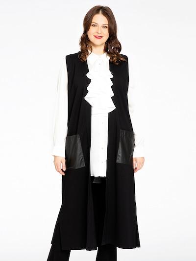 Yoek Weste in schwarz, Modelansicht