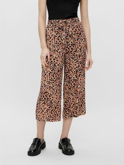 PIECES Pantalón 'Nya' en kitt / marrón oscuro / coral / negro, Vista del modelo