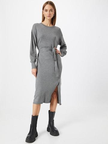 VILA Gebreide jurk 'Vievie' in Grijs