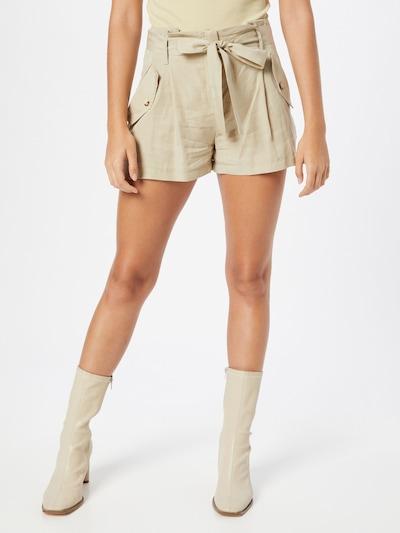 Trendyol Shorts in hellbeige, Modelansicht