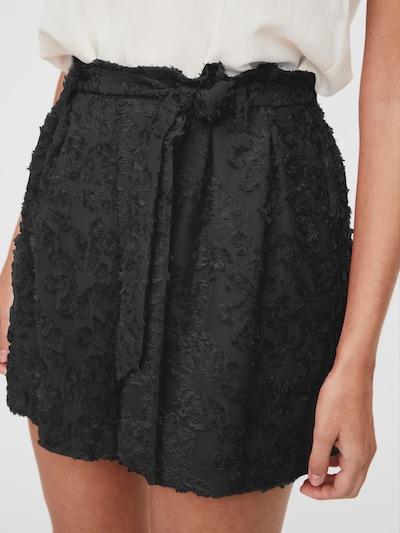 VERO MODA Shorts in schwarz, Modelansicht