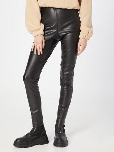 ICHI Leggings in schwarz, Modelansicht