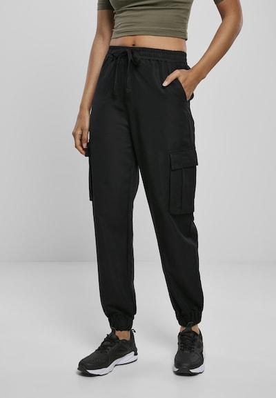 Urban Classics Cargobroek in de kleur Zwart, Modelweergave
