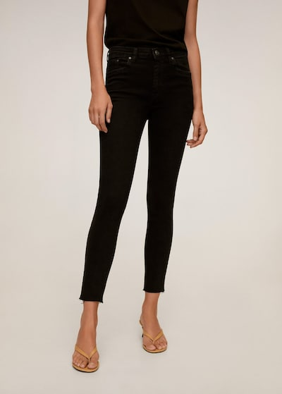 MANGO Jeans 'Isa' in black denim, Modelansicht