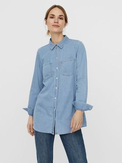 VERO MODA Blouse 'Mila' in de kleur Blauw denim, Modelweergave