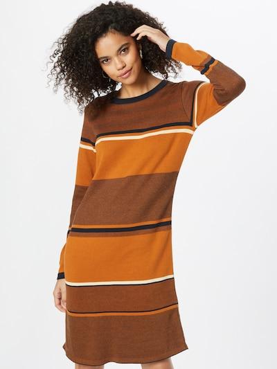 Megzta suknelė 'DURNE' iš SKFK, spalva – nakties mėlyna / oranžinė / margai oranžinė / balta, Modelio vaizdas