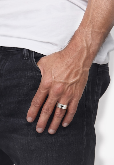 KUZZOI Ring Kreuz in silber: Frontalansicht