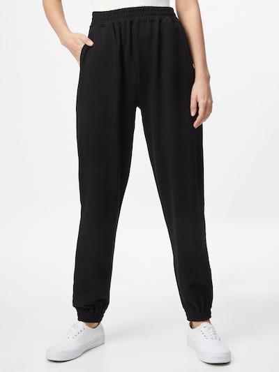 ABOUT YOU Pantalon 'Naomi' en noir, Vue avec modèle