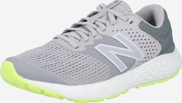 Chaussure de sport new balance en gris