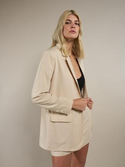 ABOUT YOU x Laura Giurcanu Blazer 'Amanda' in beige, Modelansicht