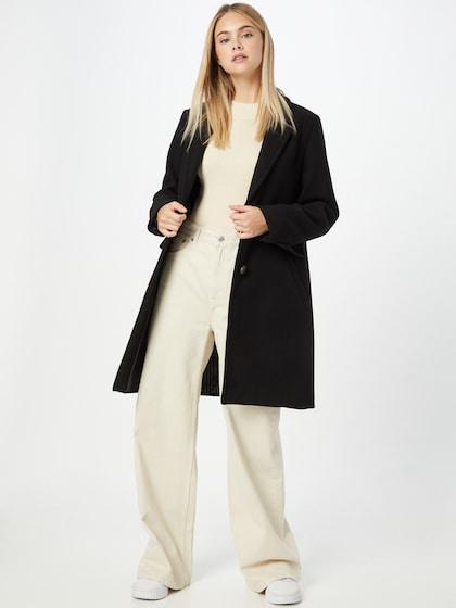 ESPRIT kabát v čiernej farbe