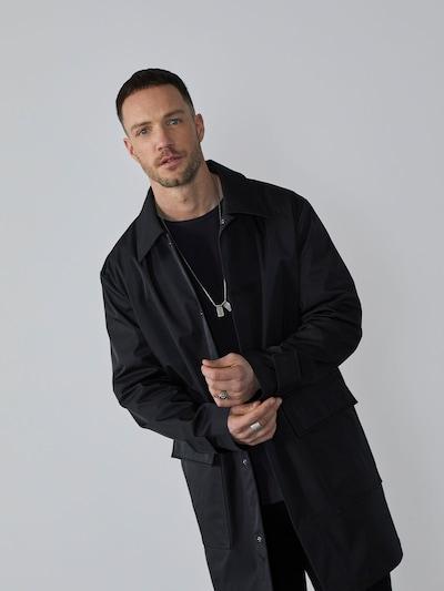 DAN FOX APPAREL Övergångsrock 'Jayden' i svart, På modell
