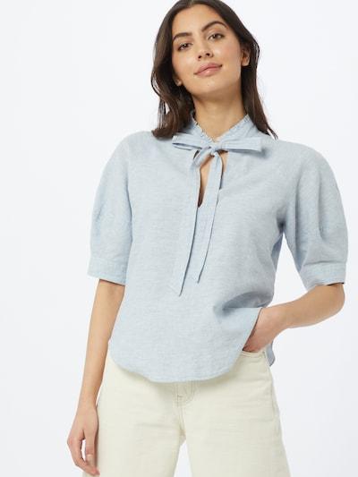 Twist & Tango Blouse 'Celeste' in de kleur Pastelblauw, Modelweergave