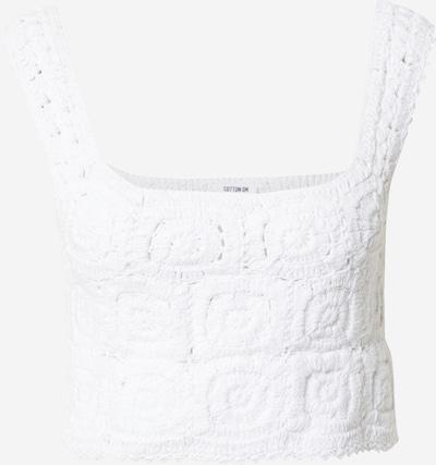 Top brodat Cotton On pe alb, Vizualizare produs