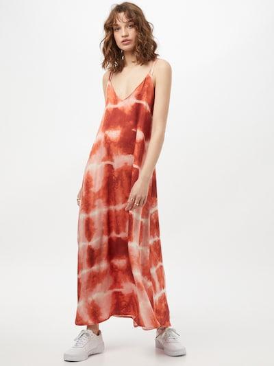VILA Robe d'été 'CORBA' en orange / orange foncé / rose ancienne, Vue avec modèle