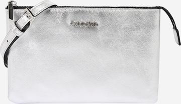 Calvin Klein Skulderveske i sølv