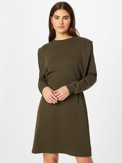 Suknelė iš b.young, spalva – rusvai žalia, Modelio vaizdas