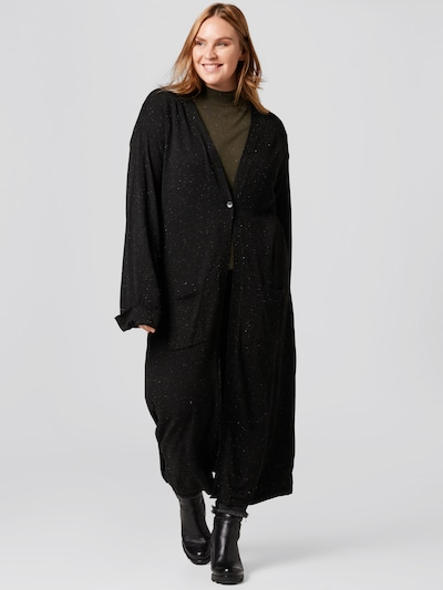 Guido Maria Kretschmer Curvy Collection Knitted Coat 'Laura' in Black, View model