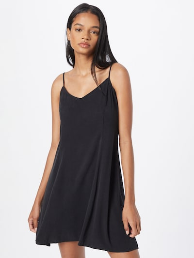 WEEKDAY Kleid in schwarz, Modelansicht