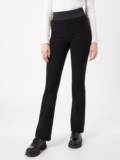 Freequent Hose in schwarz, Modelansicht